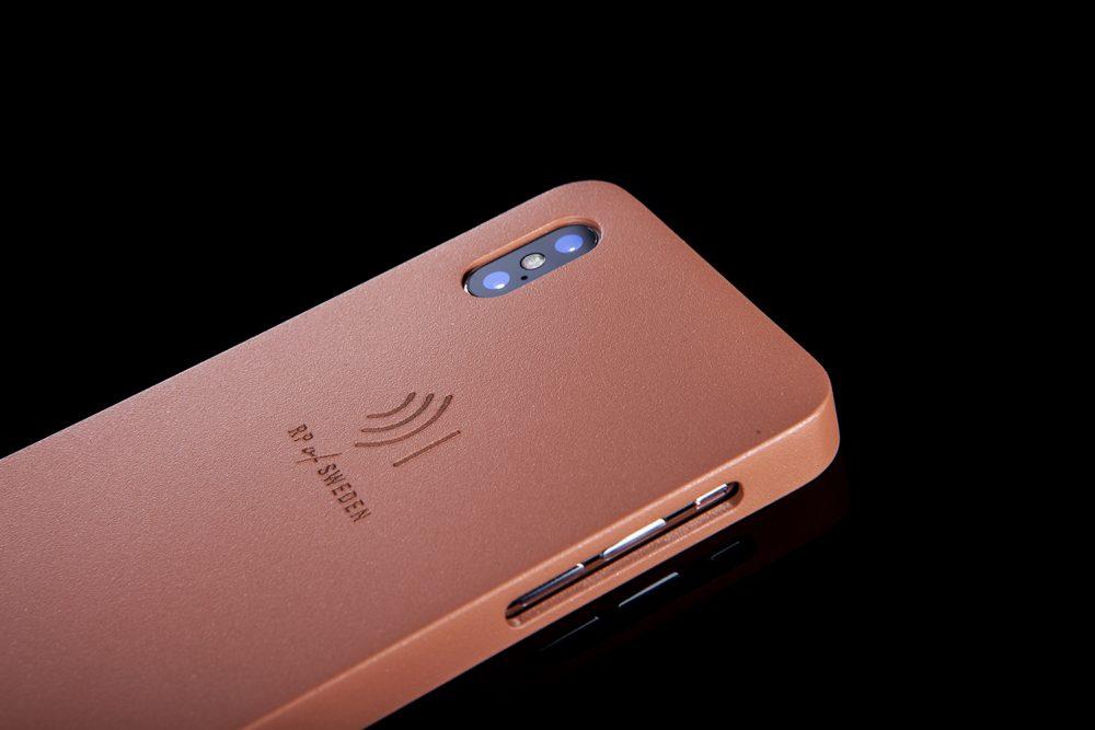 Strålningsskyddande mobilskal i roséfärgat aluminium från RP of Sweden