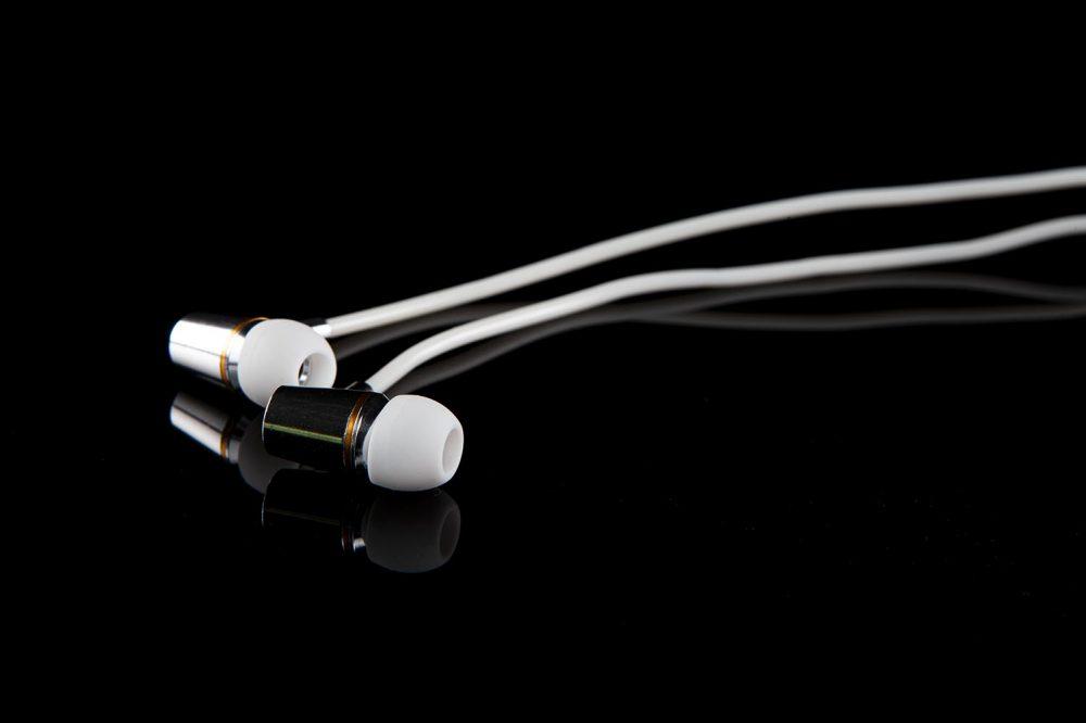 headphones-white3